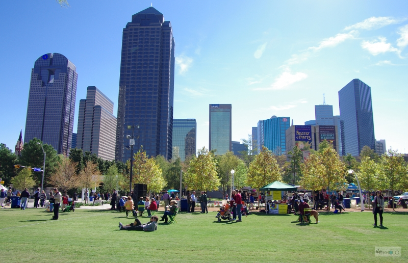 Dallas Tx From Klyde Warren Park