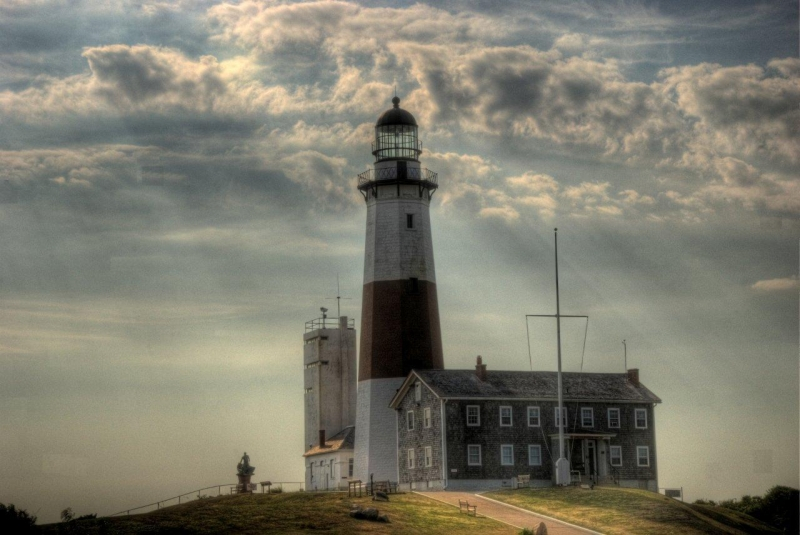 Ghost Lighthouse (hdr)