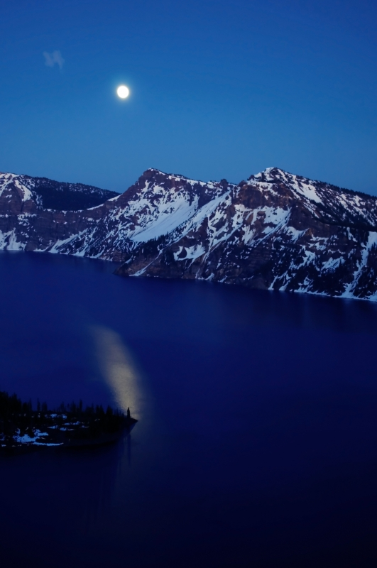 Moonrise, Crater Lake
