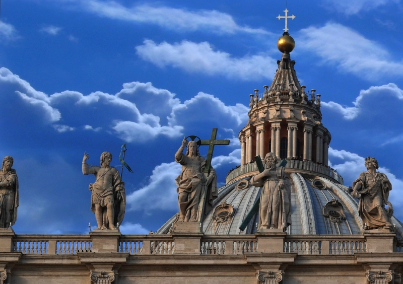 Vatican Statues Dwarfed By St Peter'S Dome