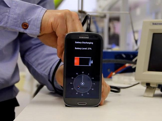 Fully Charge A Phone In 30 Seconds Flat